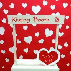 Фотографска будка/павилион за целувки